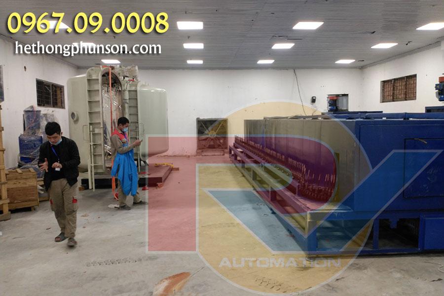 Dây Chuyền Phun Sơn kiểu Line (Đường thẳng) sử dụng máy phun sơn tự động
